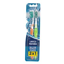 Escova Dental Oral B Complete Macia N°40 Leve 2 pague 1