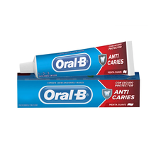 Creme Dental Oral-B 1.2.3 Anticáries Menta Suave 70g